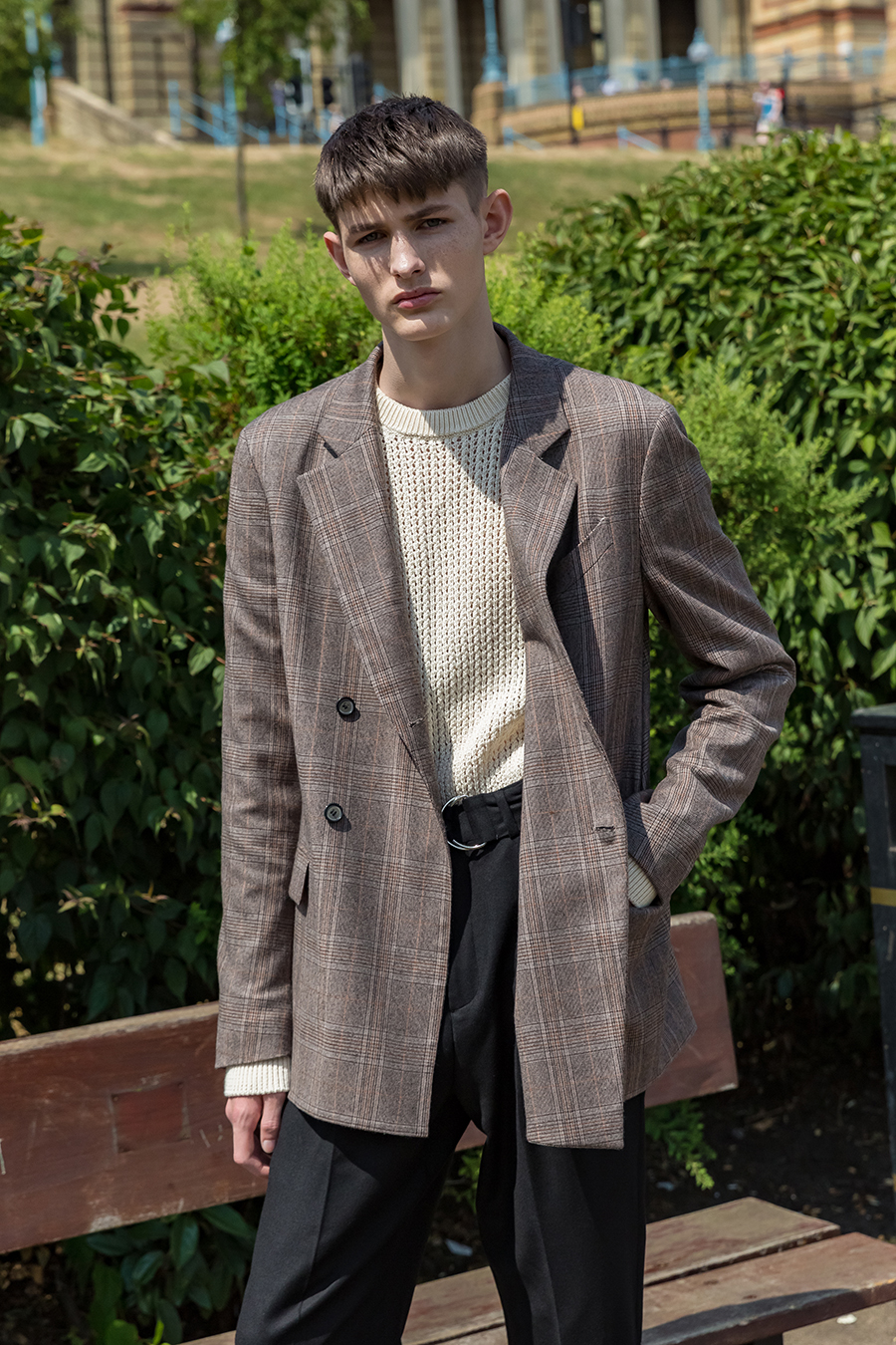 Checked Double-Breasted Blazer / Brown